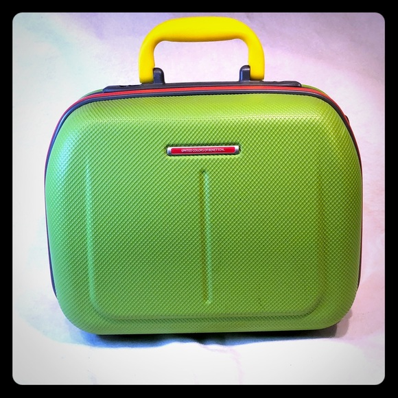 ddf5a72322a United Colors of Benetton Carry On Make Up Case